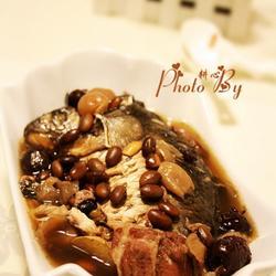 黑豆鲫鱼汤的做法[图]