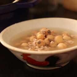 鲜莲子瘦肉水的做法[图]