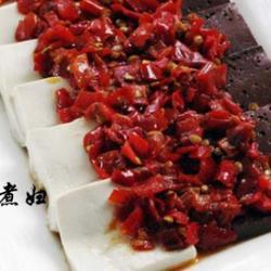 剁椒蒸黑白豆腐的做法[图]