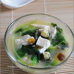 白苋菜豆腐滚双蛋的做法[图]