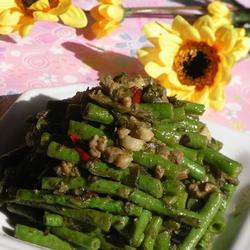 长豆角炒肉丁咸菜的做法[图]