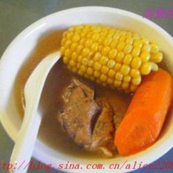玉米红萝卜煲排骨的做法[图]