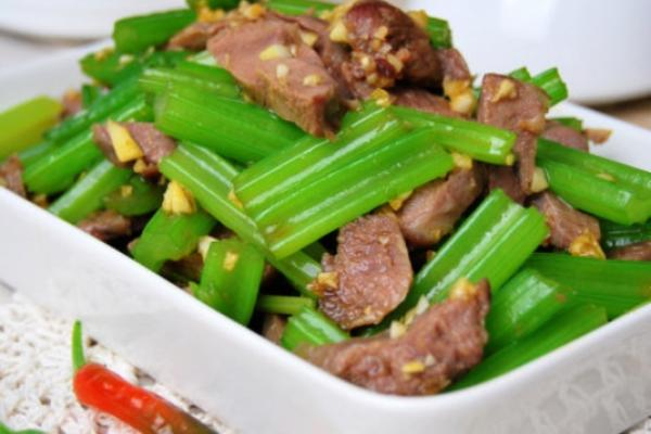 芹菜拌腱肉