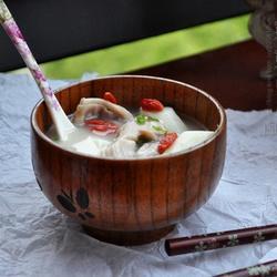鱿鱼猪肚煲山药的做法[图]