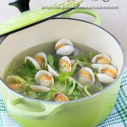 青萝卜蛤蜊汤的做法[图]