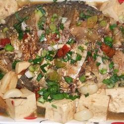 红烧鳊鱼炖豆腐的做法[图]