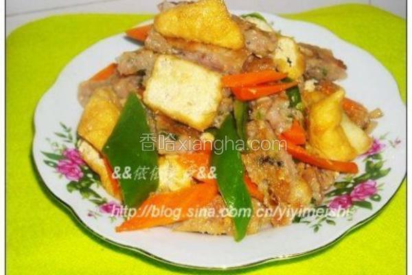 豆腐泡炒鱼饼
