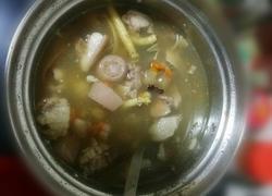 药材猪尾骨汤