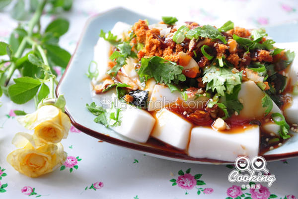 坚果松香酱淋豆腐的做法