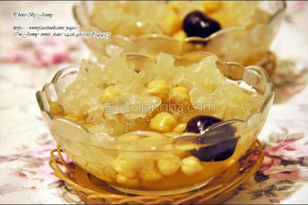 红枣银耳雪莲子汤的做法