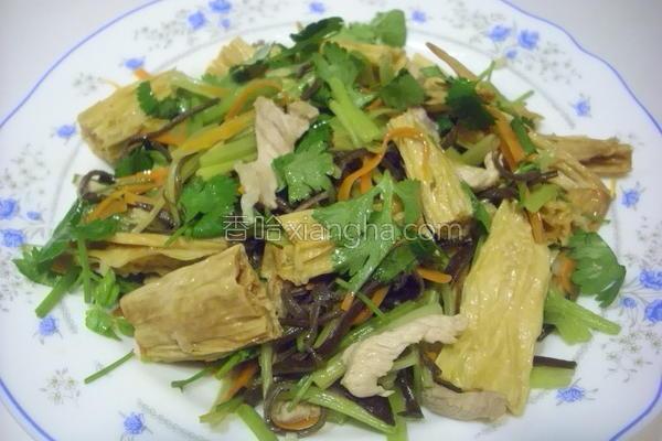 黑木耳芹菜炒腐竹的做法
