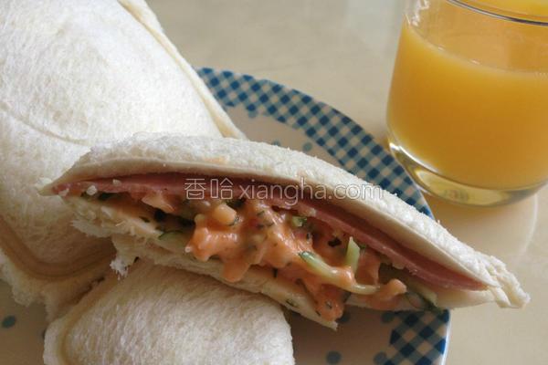 龙虾沙拉三明治的做法