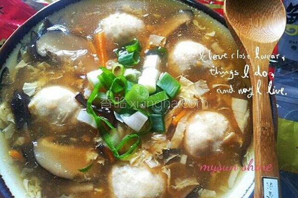 鱼丸肉羹酸辣汤的做法