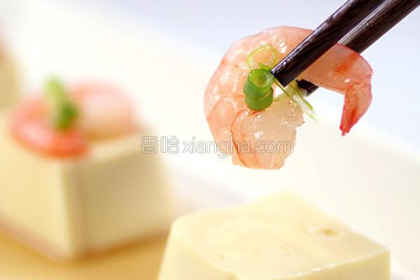 清蒸豆腐葱花虾的做法