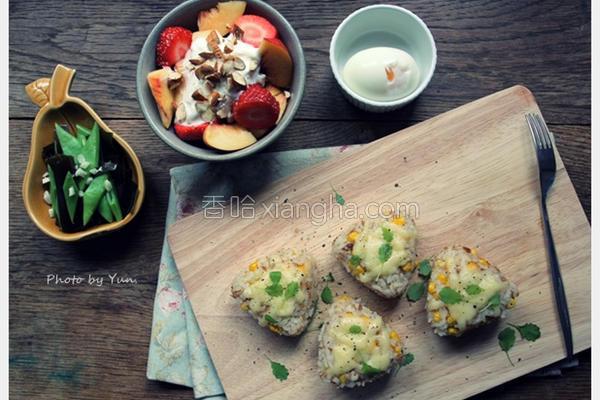 鲔鱼玉米起司饭团的做法