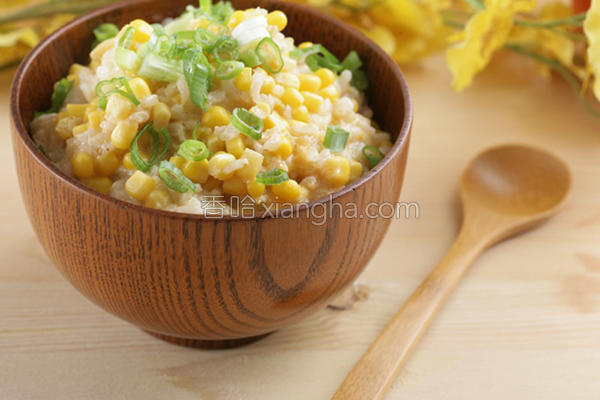 滴鸡精糙米粥的做法