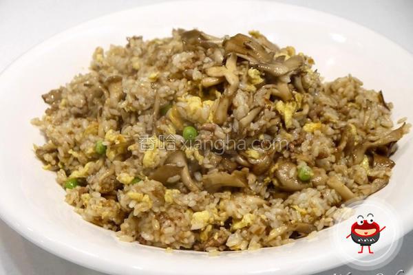 红葱肉燥菇菇炒饭的做法