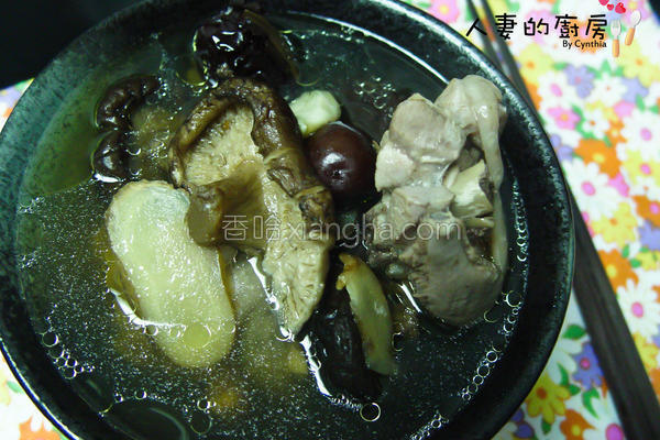 药墩香菇鸡汤的做法