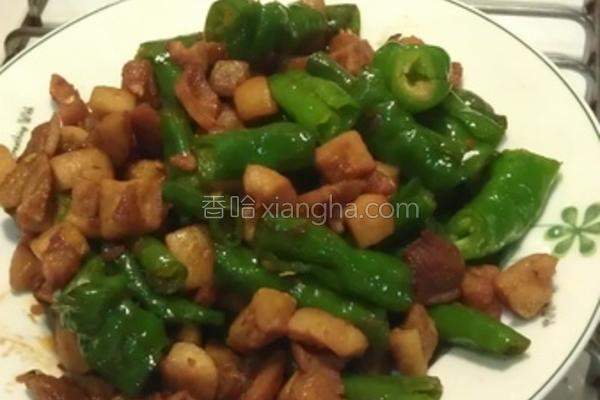 青辣椒香炒猪油渣的做法