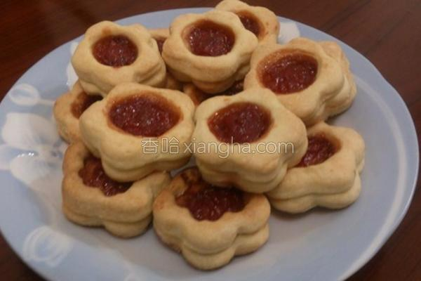 草莓夹心饼干