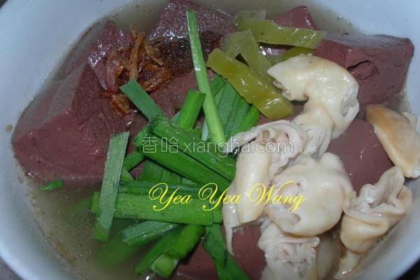 大肠沙茶猪血汤的做法