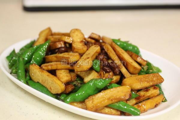 豆干炒糯米椒的做法