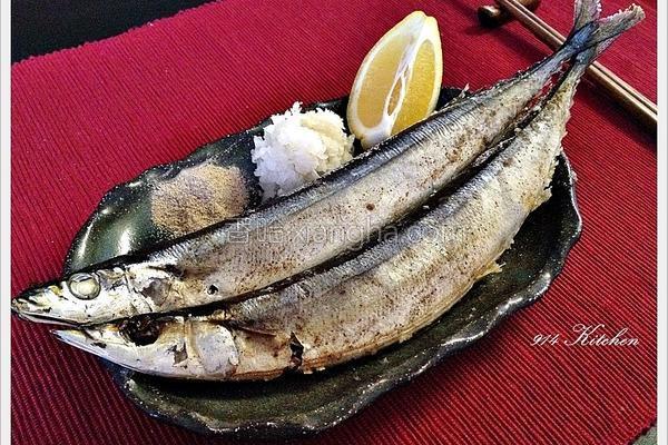 盐烤秋刀鱼的做法