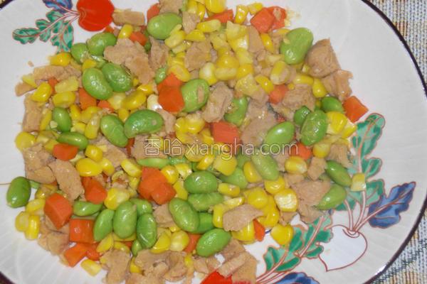 玉米炒素肉丁的做法