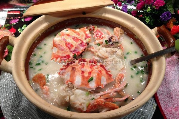 海鲜蟹砂锅粥的做法