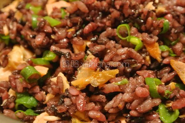 简易鲑鱼葱花拌饭的做法