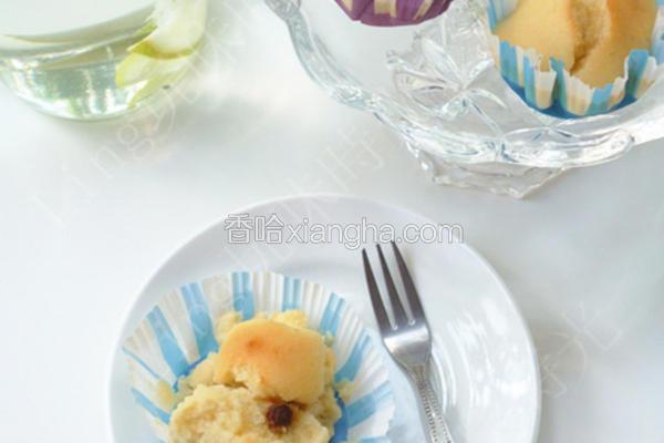 葡萄干小蛋糕