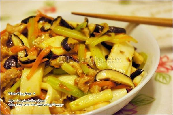 香菇肉丝炒河粉的做法