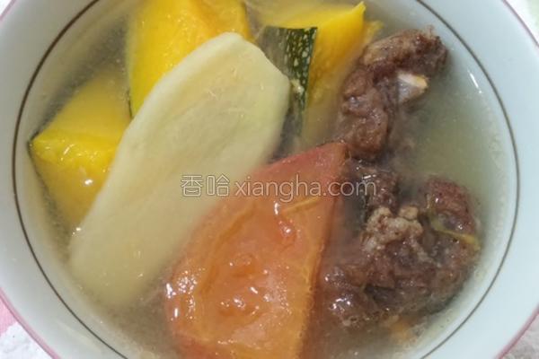 南瓜番茄排骨酥汤的做法