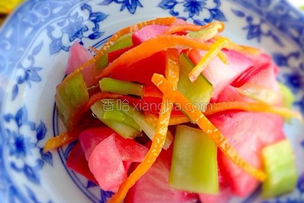 三彩泡菜的做法