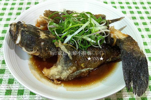 油炸鲜甜笋壳鱼的做法