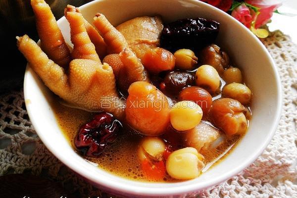 桂圆莲子鸡汤的做法