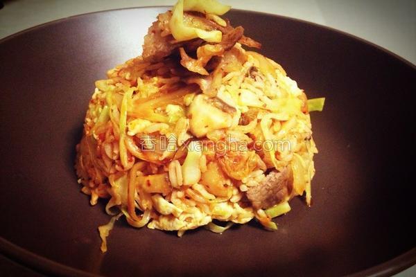 辣白菜肥牛炒饭的做法