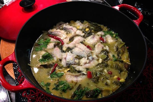 酸菜鱼片汤的做法