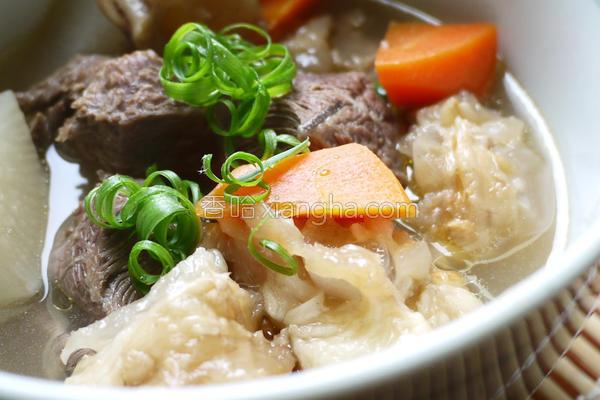 中式清炖牛腩筋汤的做法
