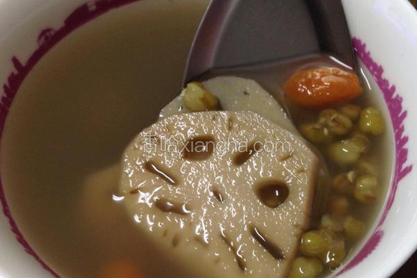 莲藕绿豆养颜汤