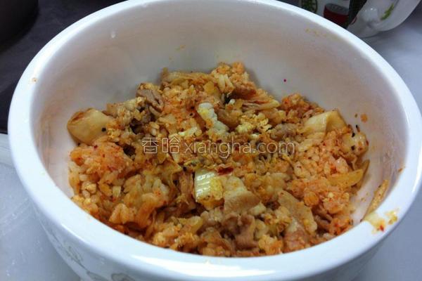 韩式泡菜香辣炒饭的做法