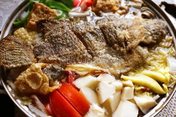 酸菜鲜鱼锅的做法