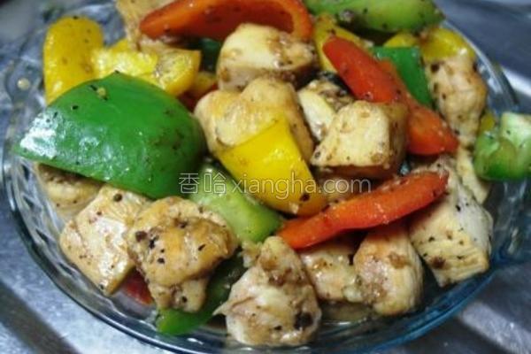 彩椒豆豉炒鸡粒的做法