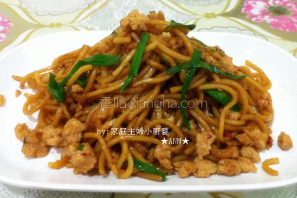 虾米肉碎炒面的做法