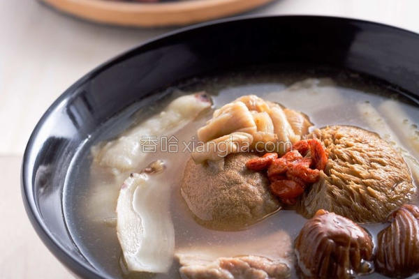 猴头菇花胶健肤汤的做法