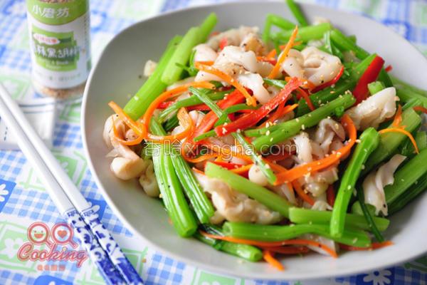 芹菜炒鱼肚的做法
