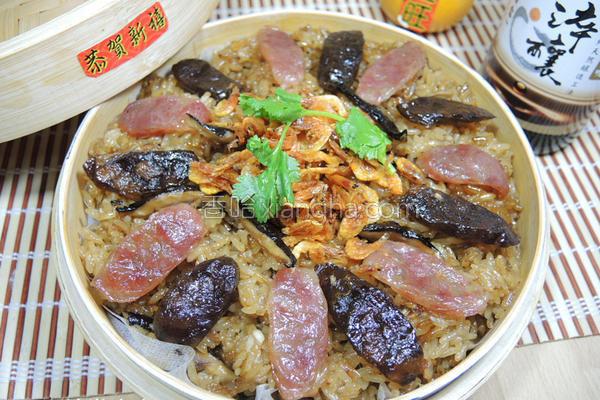 腊味樱花虾油饭的做法
