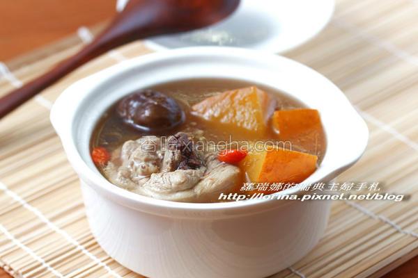 南瓜栗子鸡汤的做法