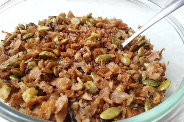 菜脯坚果香菇素燥的做法