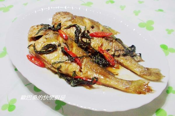 紫苏烧黄鱼的做法